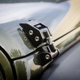 Ganchos de Capot Aluminio Regulable – Jeep Wrangler JK