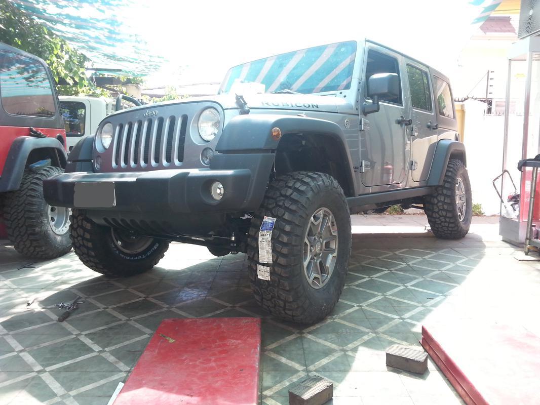 "Jeep Wrangler JK Unlimited RC 3,5"" y BF Goodrich Km2 315 ..."